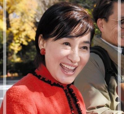 【速報!】松居一代 緊急会見で『お母ちゃん!』エア電話だと話題!